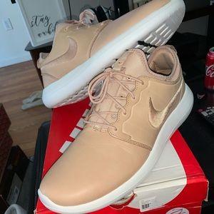 NikeLab Roshe Two Leather PRM